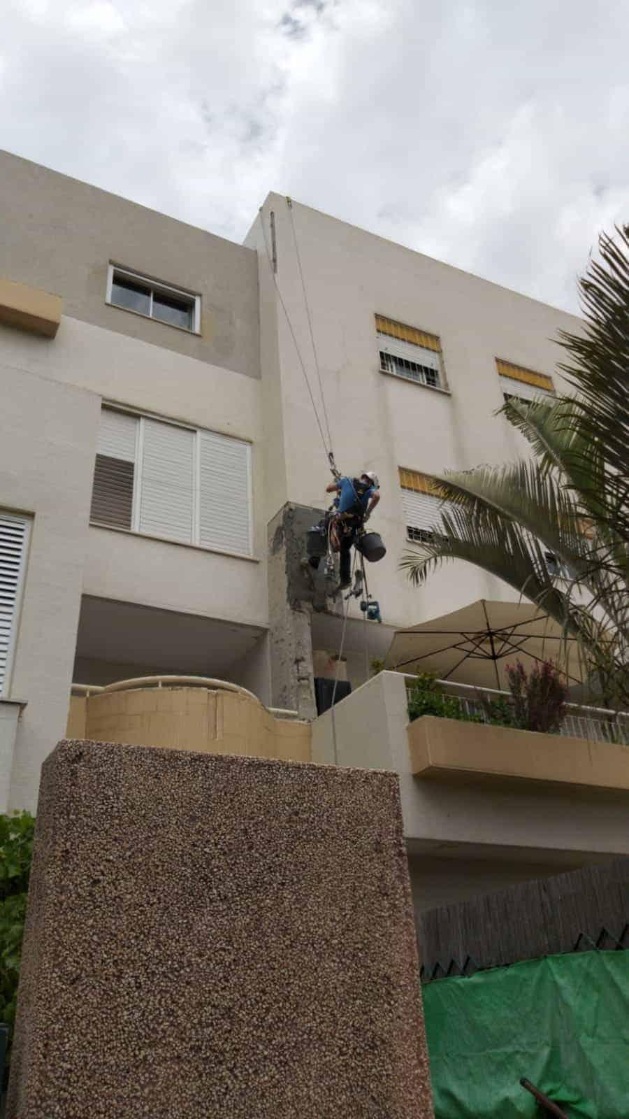 איך משקמים בטון בקירות חיצוניים